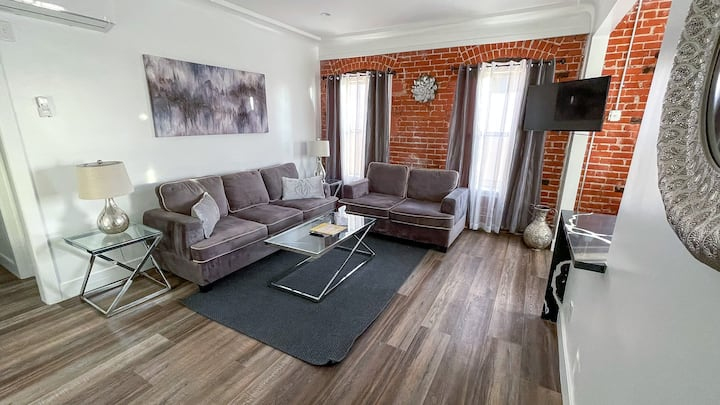 Charming Cozy Private One Bedroom Unit ByTheGrove