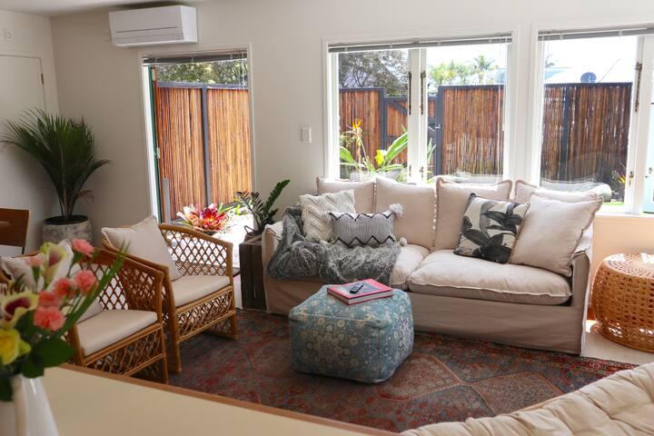 Bali escape, tropical gardens, close to 3 beaches!