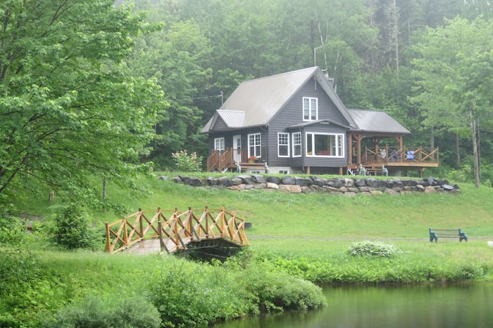 Hotel at Home - The Rustic with private lake