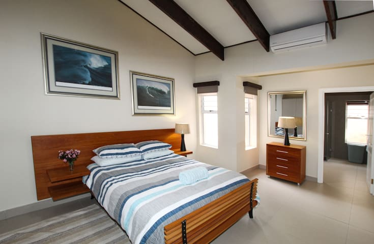 Starfish room with en-suite - main house