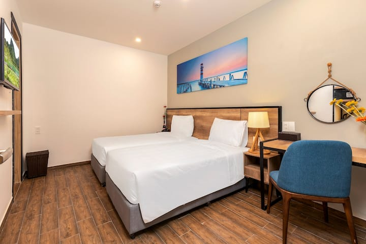 R1: Twin room@Golden Lotus Central-1min to beach