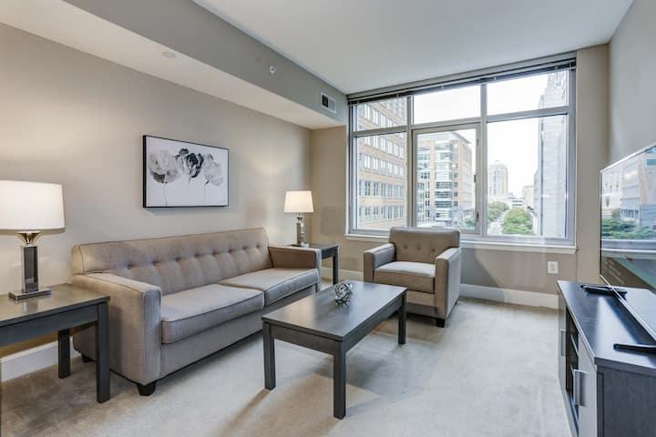 Executive High Rise Apartment in Reston
