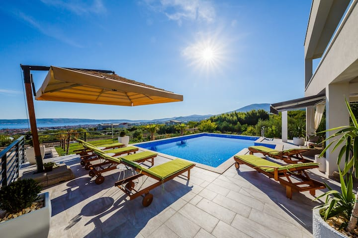 Villa Blue Wave,amazing sea view with private pool
