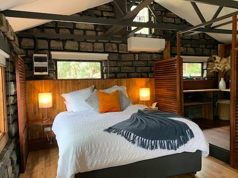 Bluestone Cottage i et privat, fredelig miljø