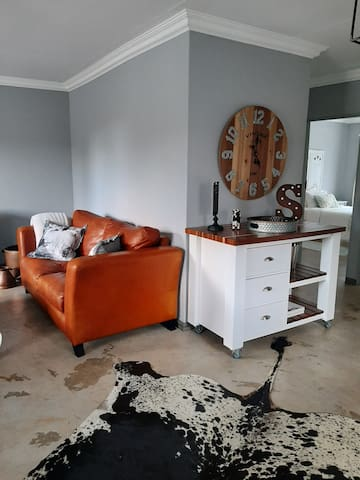 Moi-huis, 2bed apartment, 5km to Menlyn Mall