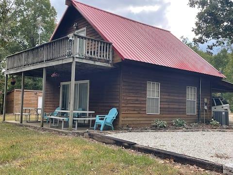 Cabin in Alpena, AR