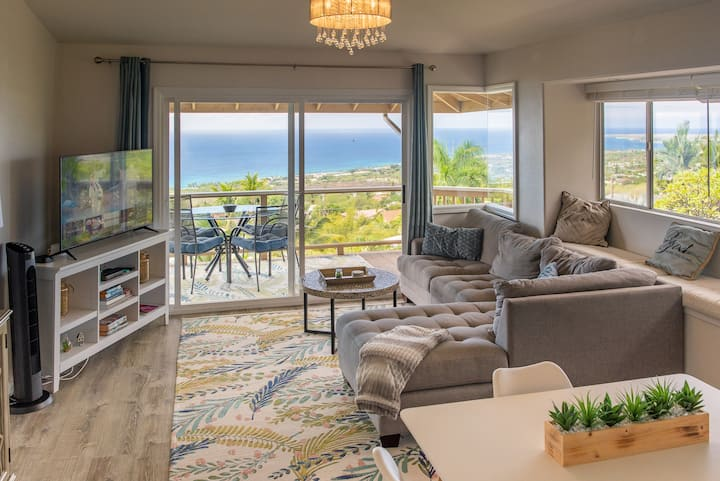 Kona Sunsets & Ocean Views at Hillside Home