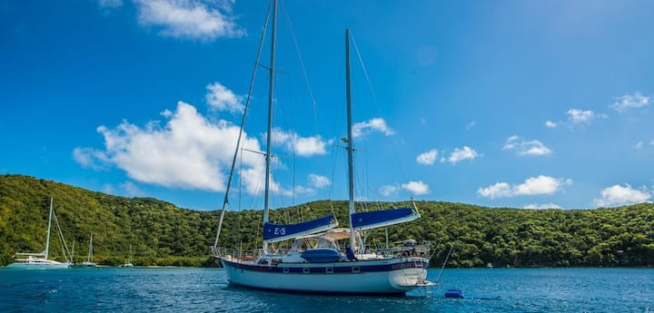 B&B on 72' Sailboat in St. Thomas