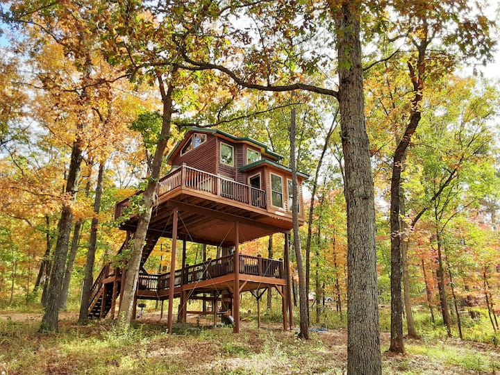 "Spring Lake Ranch Tree House #1 ""High Hope"""