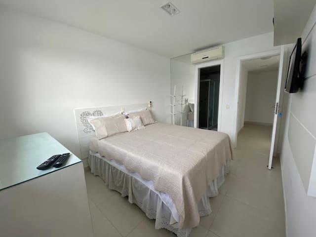 suite 2 com ar condicionador,tv ,cômoda