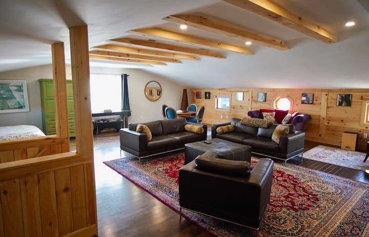 Spacious Cottage Loft