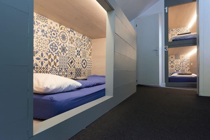 Le Vert Hotel — 7 Bed CAPSULE Room
