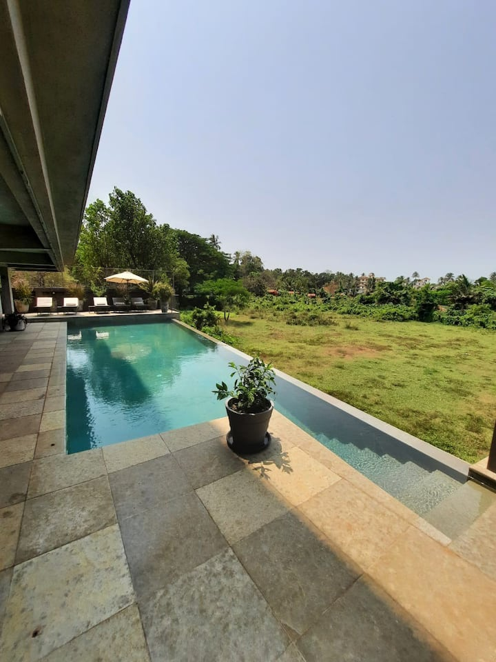 Chic Studio Space In Nerul With Infinity Pool