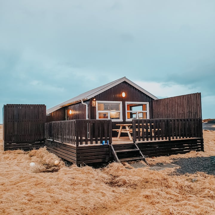 Two-Bedroom Cottage with a Private Hot Tub #1