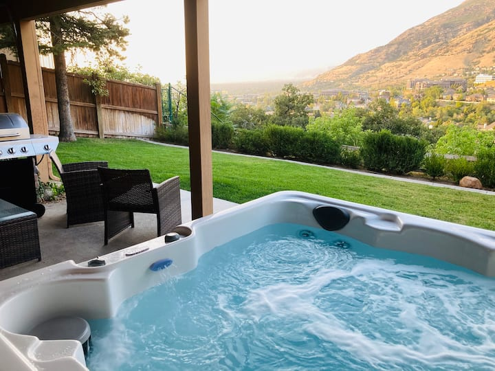 Private & Exclusive Hot tub use-City & Mtn View