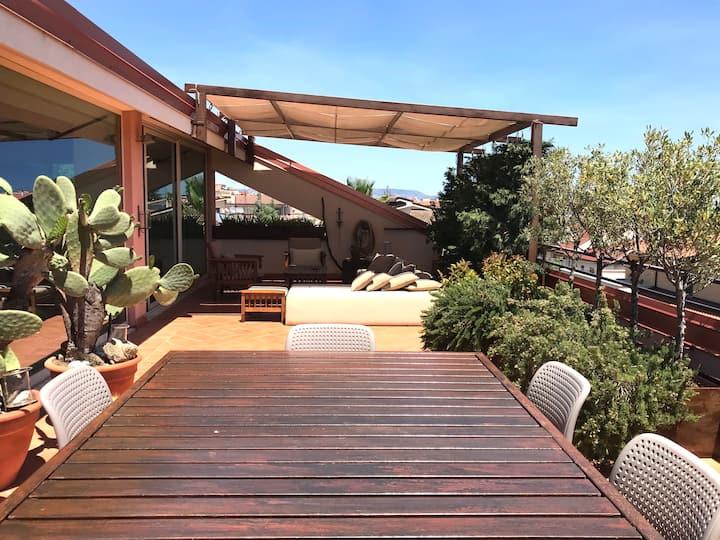 Siderno, attico con terrazzo a due passi dal mare