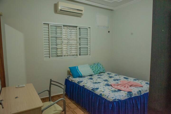 Casa AMPLA com Ar condicionado e área gourmet.