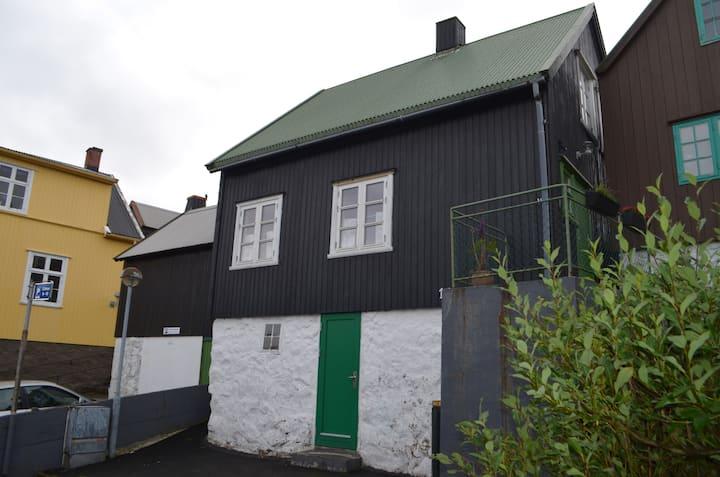 Cosy house in the heart of Tórshavn (Á Reyni)