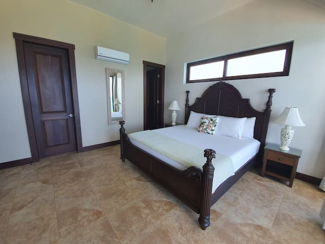 Every suite comes with A/C, smart TV's, cable and the best WIFI  Roatan has to offer.