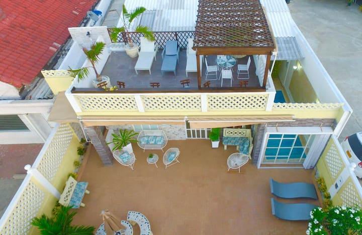 Full house boutique del mar