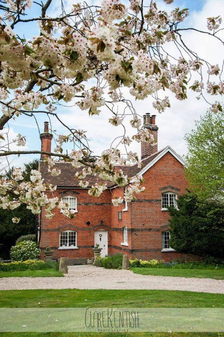 The Garden Cottage - Hedingham Castle