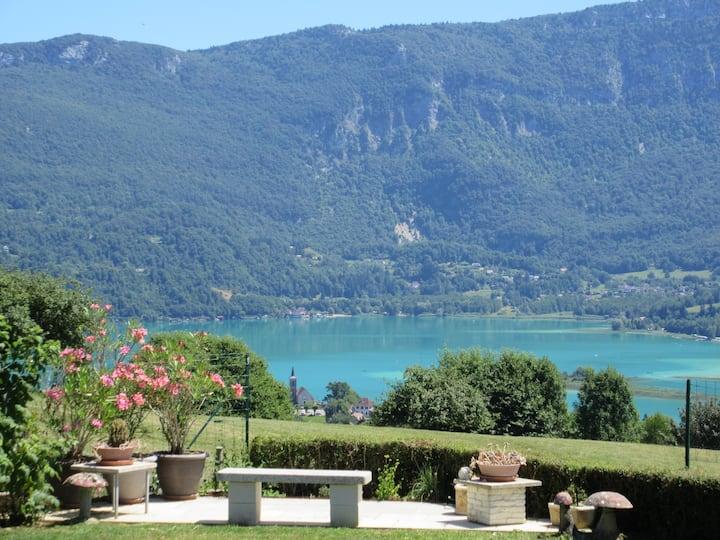 Gîte : Les Cimes du Lac d'Aiguebelette en Savoie