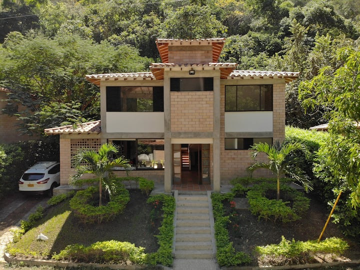 Cabaña - Santa Fé de Antioquia con aire, WiFi y TV