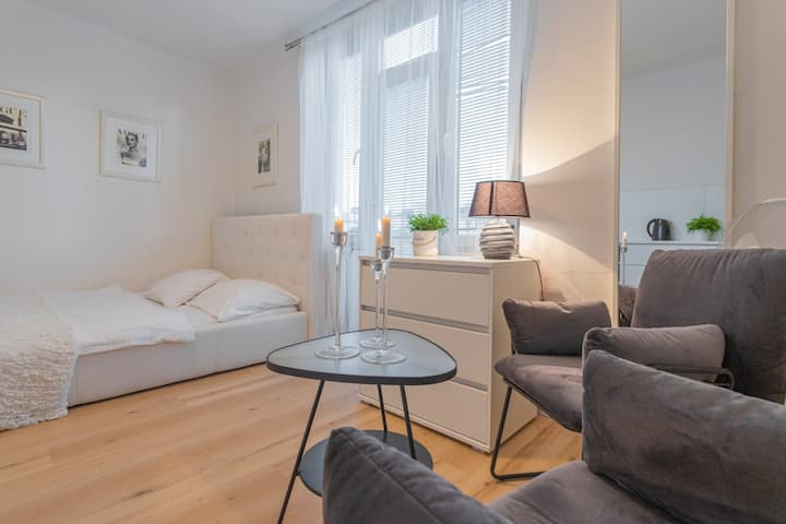 Cosy apartment close to the centre with terrace