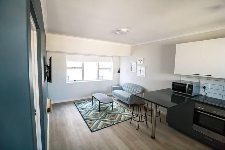 CURIOCITY - Private Apartments