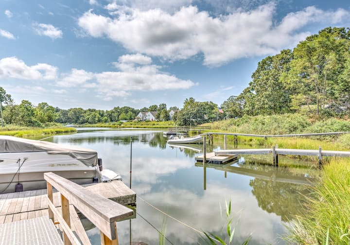 Family Retreat 4BR Waterfront+Dock in Southampton