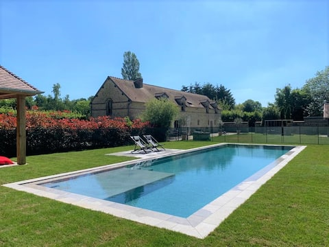 Luxury and tranquility two hours from Paris