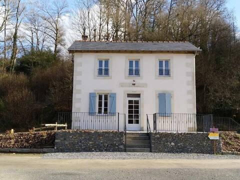 Maison éclusière entre Mayenne et Laval
