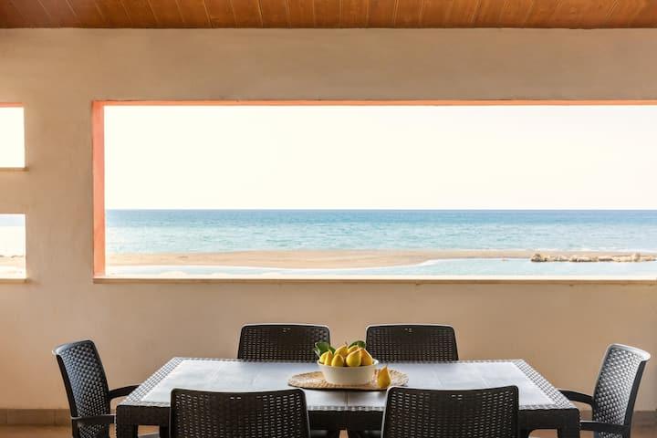 La Rotonda Three-room apartment with sea view