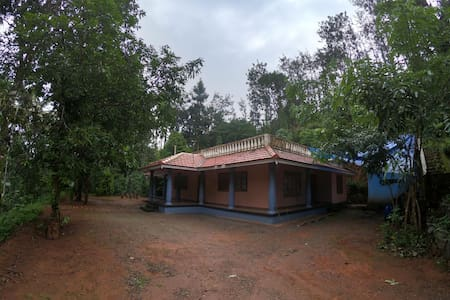 Spacious private guest house in Wayanad