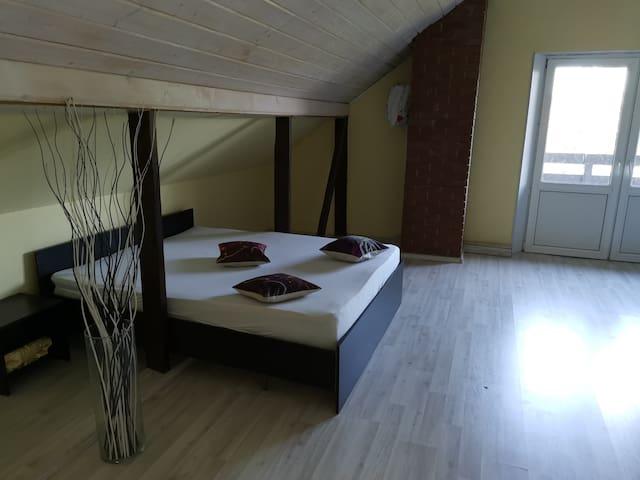 Спальня 4 с балконом
