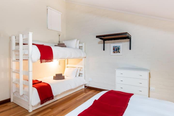 Four Sleeper - Trail's End Bike Hotel