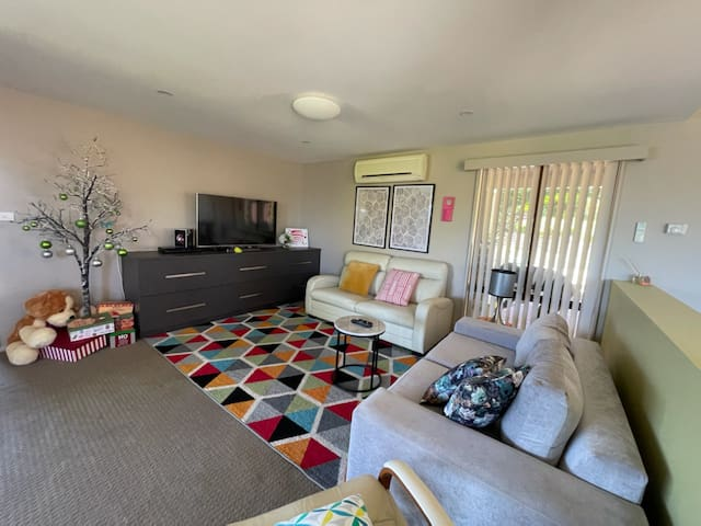 Second living room with TV + sofa bed