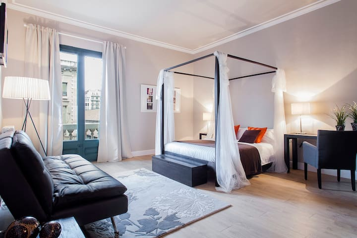 Double Rooms per weeks or months in centre BCN