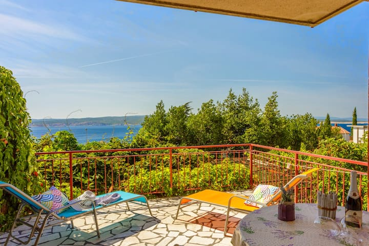 Apartment for 2-4 people close to the sandy beach