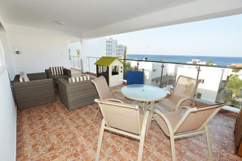 Seafront Protaras Sea View Apartment 4