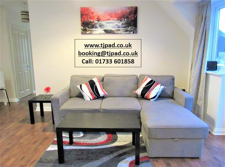 The Coach House -TJ Serviced Property Peterborough