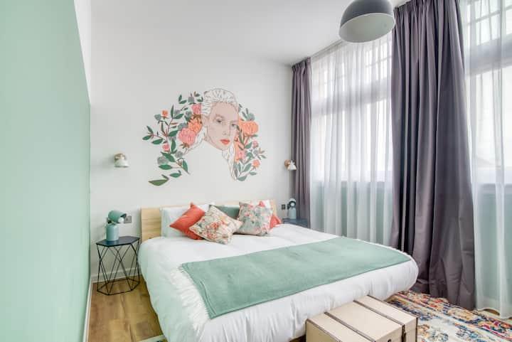 Selina Birmingham - Unique Room