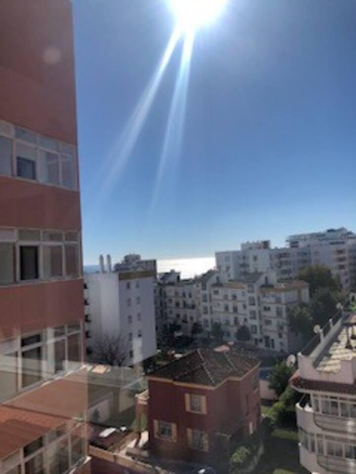 Apartamento equipado con vista parcial al mar