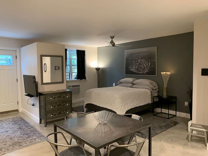 """New Large Studio Suite at """"Casa Carbone""""!"""