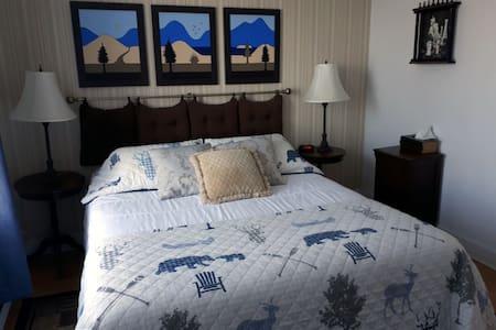 Gîte du Bon Vent - Chambre grand lit vue sur mer
