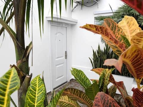 Suite Privada, en la Urb. Ciudad Del Mar - Manta