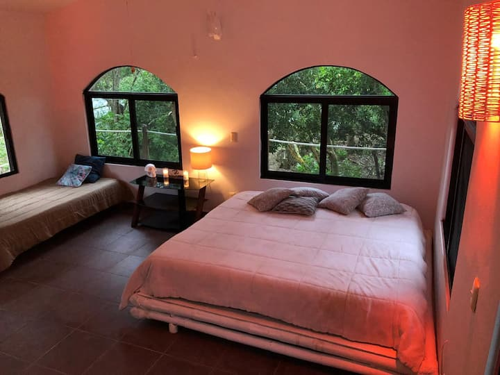 Room in the ECO jungle house near cenotes