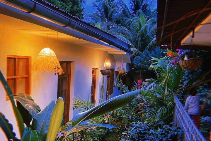 Suite matrimonial Qinti, 4min Plaza, piscina, wifi