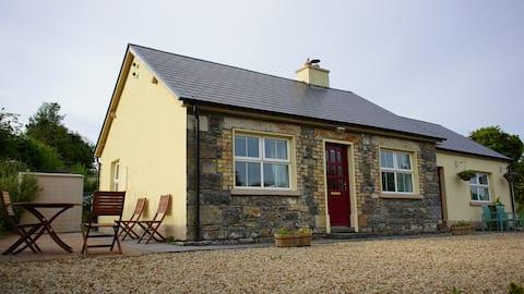 Beautiful Rustic Glencar Cottage