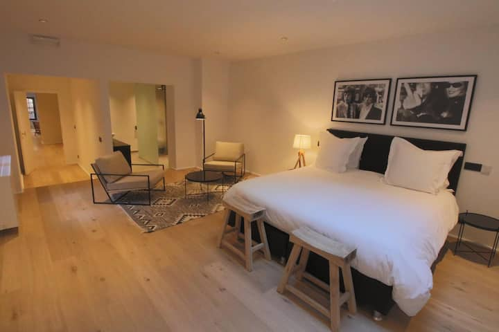 Grand Place Apartments 4